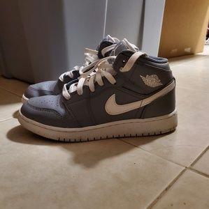 Nike Air Jordans Mid in grey